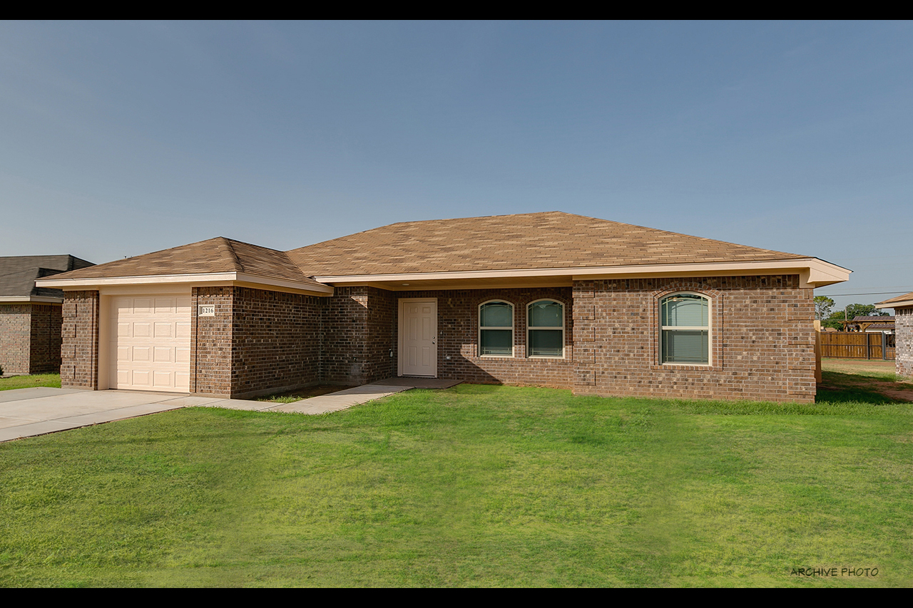 1212 Newman Ave – 1255 SqFt – $135,000 – Iowa Park TX images